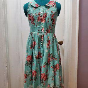 Knitted Dove La Vie en Rosebuds Dress - NWOT
